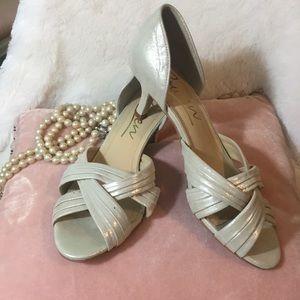 Formal Gold Heels 7.5